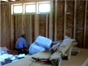 installing_insulation