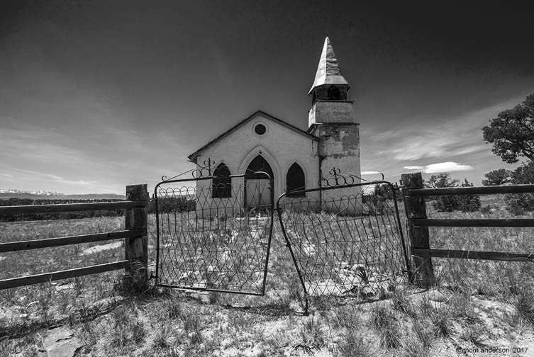 abandoned-church-Thom_Anderson