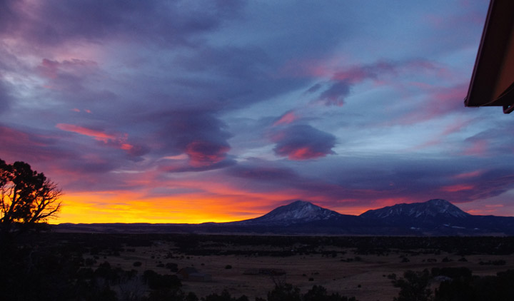 AMAZING sunrise over the Spanish Peaks January 2018 Laura Lee Cartet